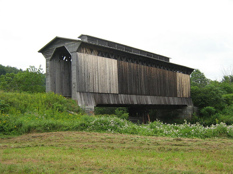 Photo de Fisher Covered Railroad Bridge, Wolcott, NRHP74000222