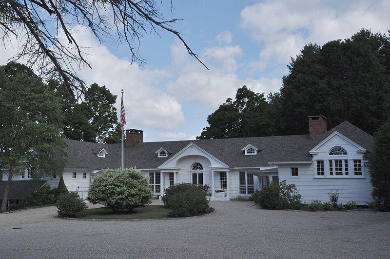 Photo de Norfolk Country Club House, Norfolk, NRHP82004458