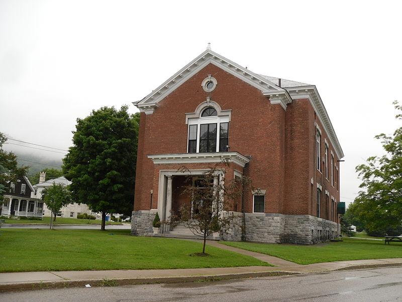 Photo de West Rutland Town Hall, West Rutland, NRHP83003221